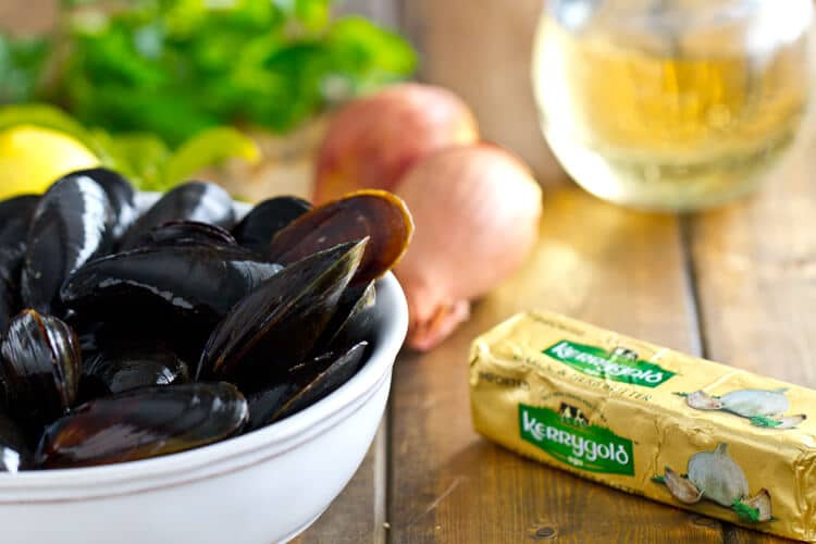 ingredients for these steamed mussels