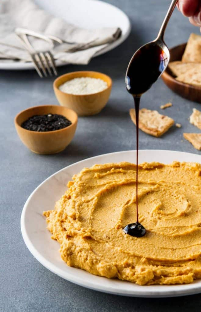 Creamy and easy, this healthy roasted butternut squash dip is a delicious appetizer, with tahini and yogurt is one that everyone will love.